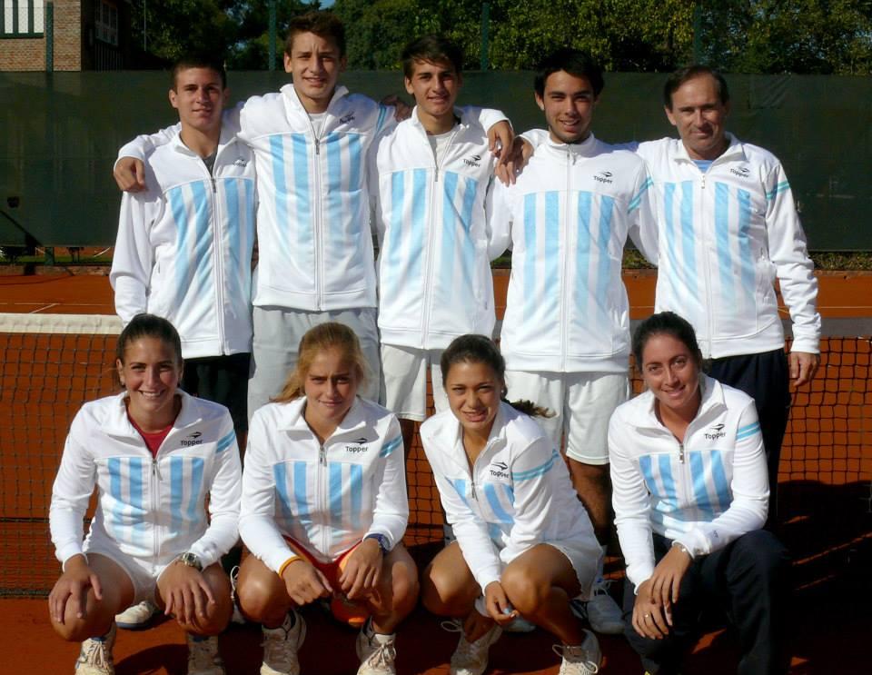 Las chicas y chicos de Argentina con sus capitanes Foto: Prensa AAT
