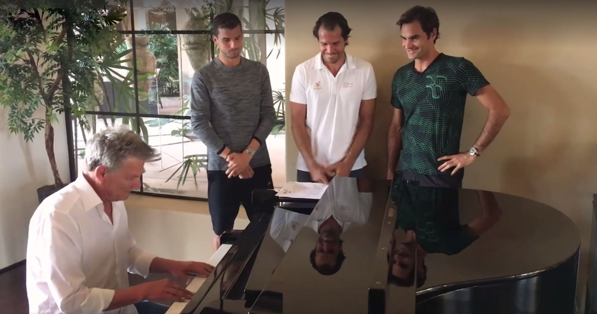 Los One-Handed Backhand Boys con David Foster